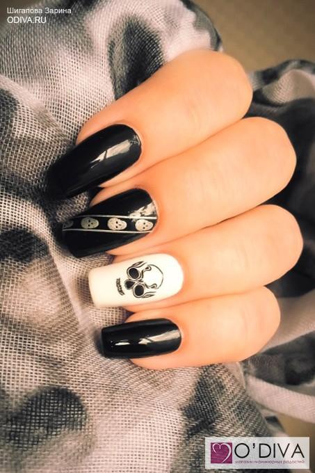 Дизайн ногтей череп