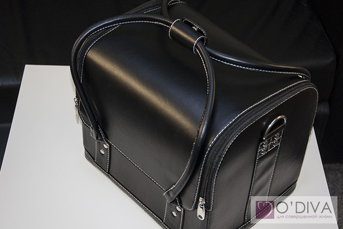 Сумка-чемодан для мастера маникюра, педикюра, визажиста, косметолога. .  Хусаинова Алина.