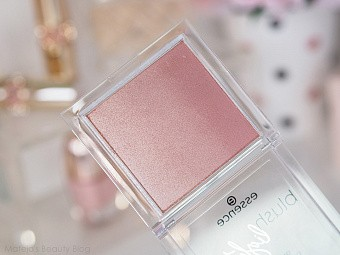 Essence, blush lighter — румяна-хайлайтер (розовый т.03)