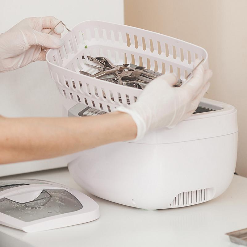 Дезинфекция и стерилизация инструментов для маникюра